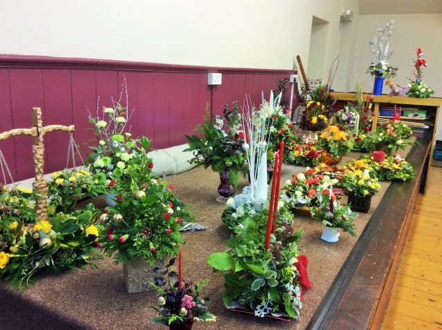 Flower arranging led by Lynne December 2017 - photo 2