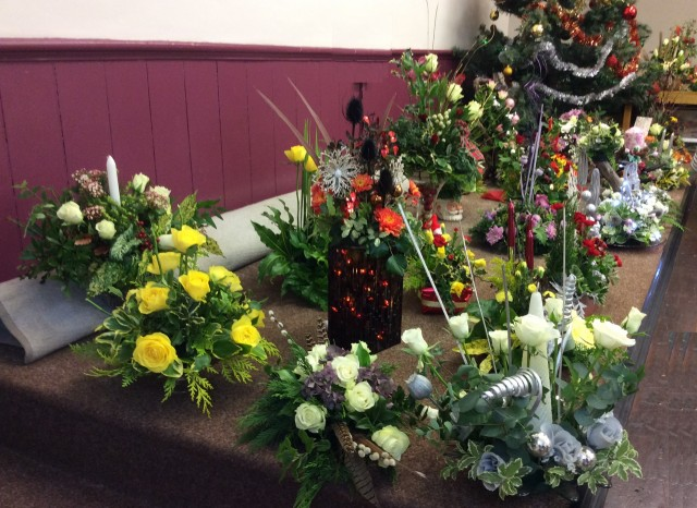 Flower arranging led by Lynne December 2018 - photo 8
